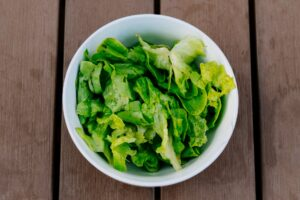 What are the kinds of lettuce?